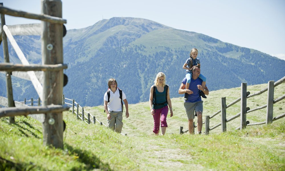 Das Hotel Kaserhof - der Ausgangspunkt für Ihren Wanderurlaub in Vals