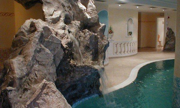 Die Felsendusche - ein ganz besonderes Erlebnis im Wellnesshotel in Vals