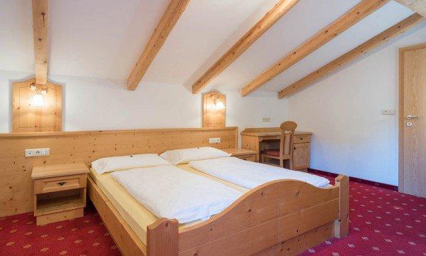 vals-muehlbach-eisacktal-gitschberg-jochtal-hotel-kaserhof-zimmer-geisler-01